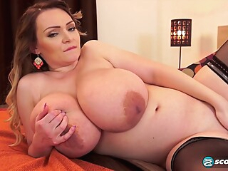 m b3115 pink corset big tits blond hd video